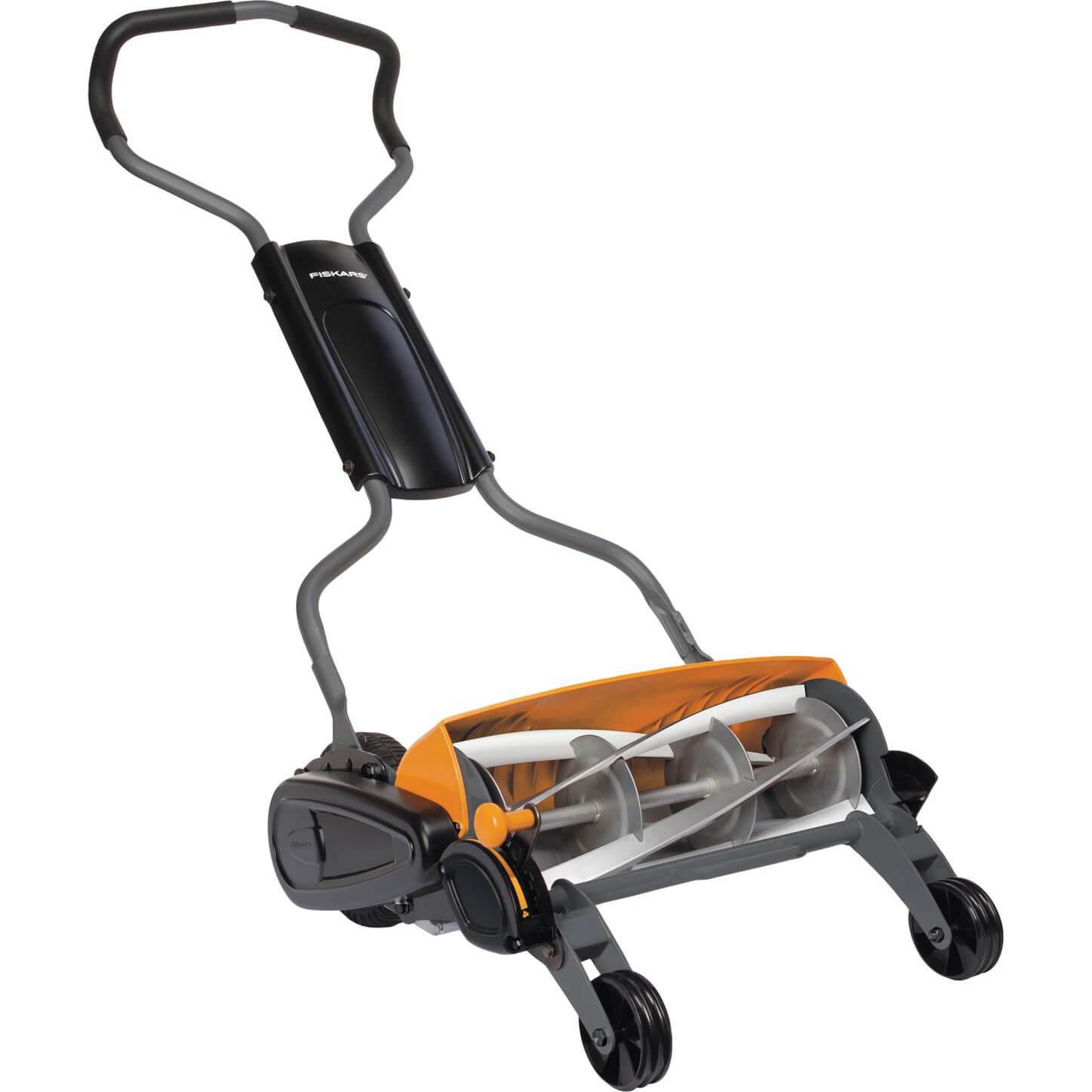 Fiskars StaySharp Max Reel Hand Lawn Mower