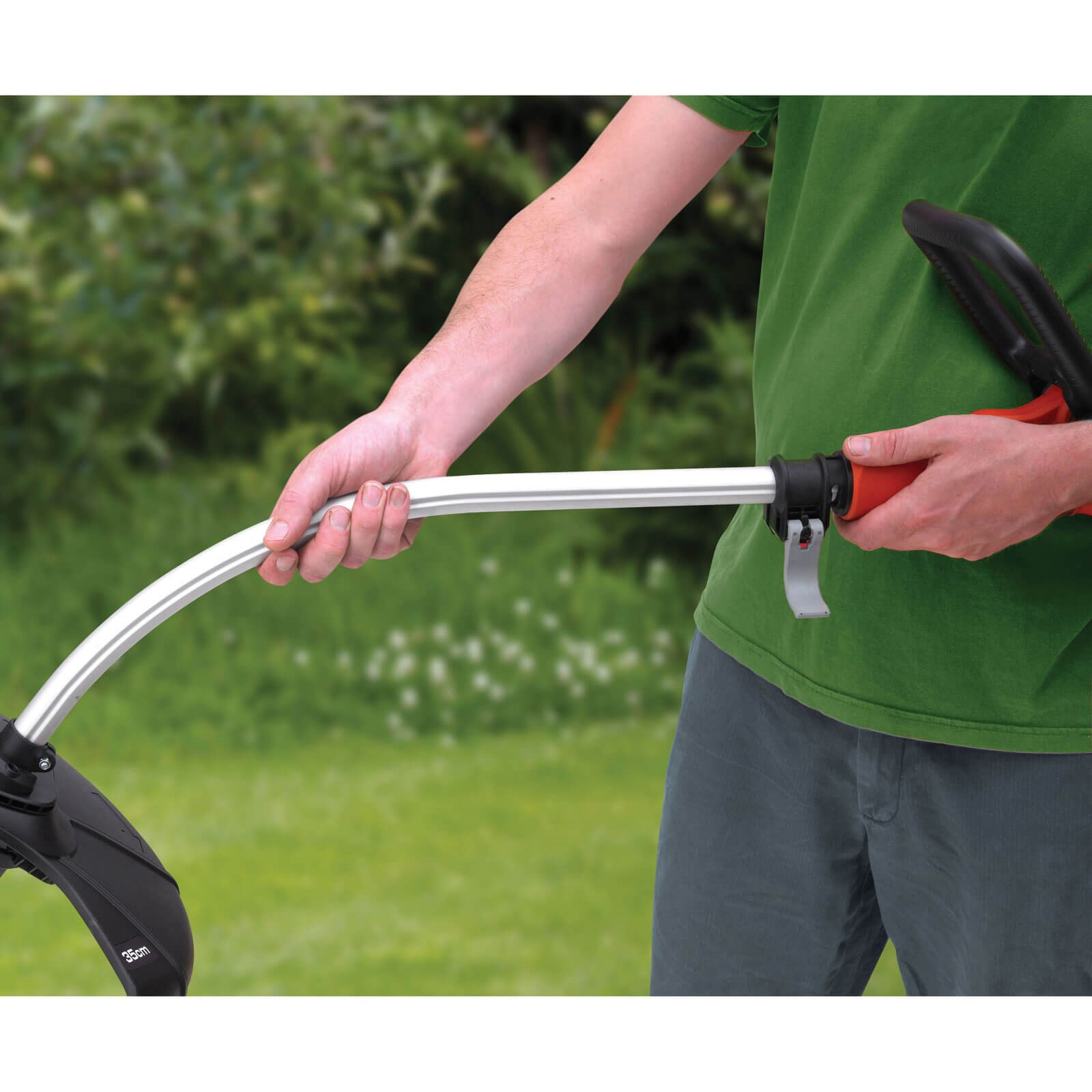 Black and Decker GL7033 Heavy Duty Grass Trimmer 330mm