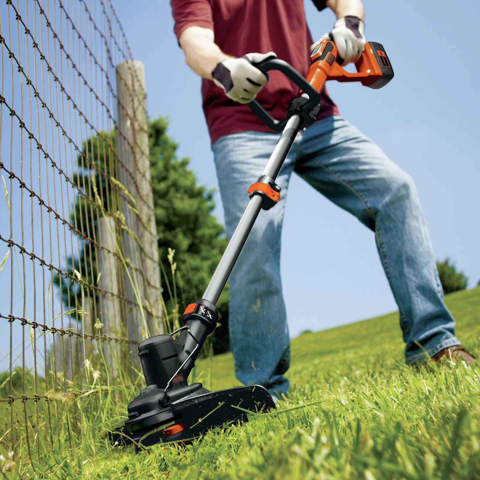 Black and Decker GLC3630L 36v Cordless Telescopic Grass