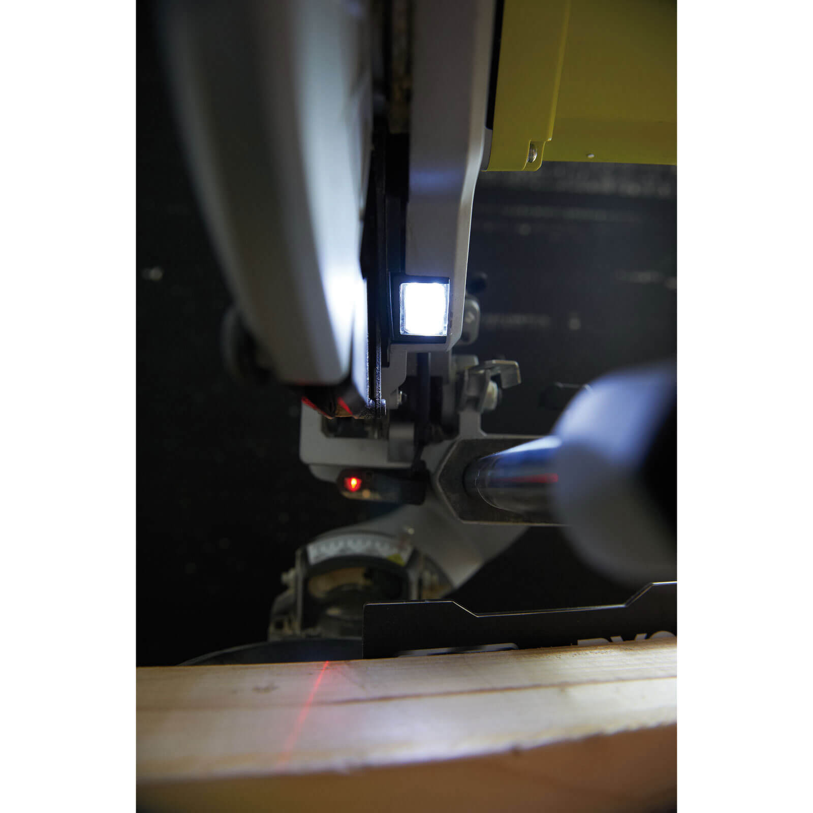 research.unir.net Ryobi EMS254L 2000W 254mm Compact Sliding Mitre ...