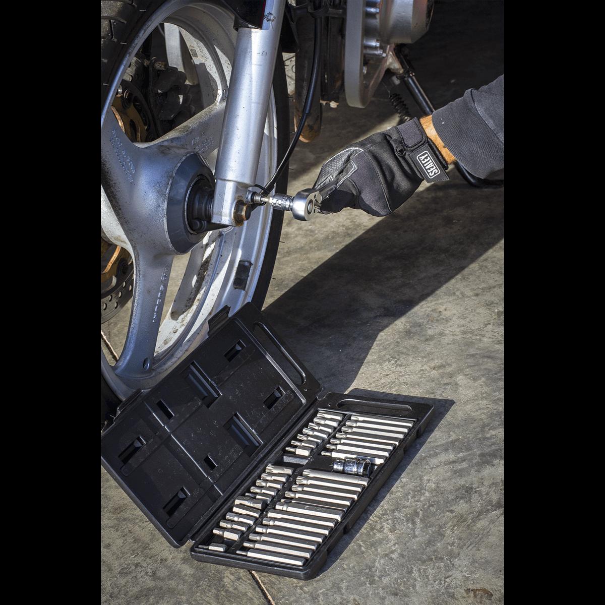 Kuryakyn Chrome Sculpted Dash Panel Harley Street Glide /& Road Glide 2008-2017