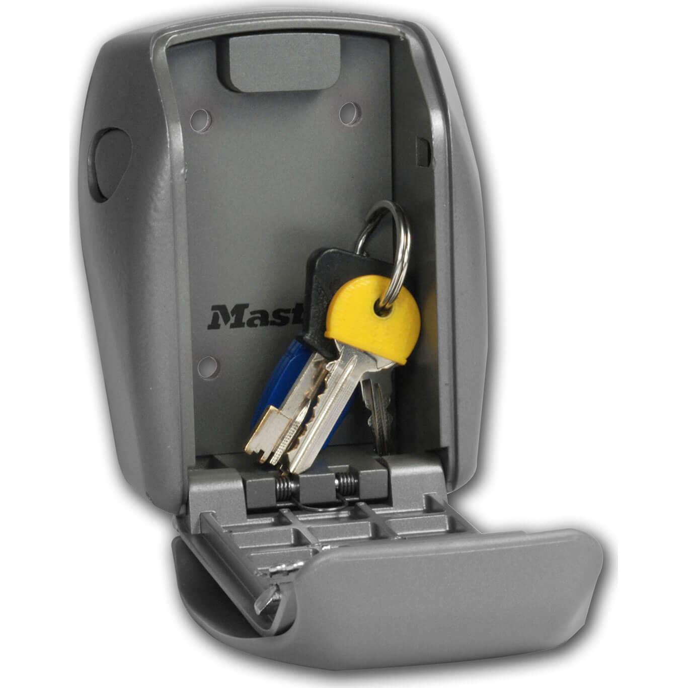 masterlock wall mount single key safe led lighted. Black Bedroom Furniture Sets. Home Design Ideas