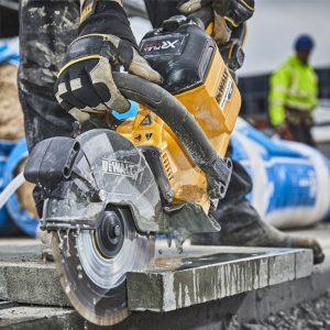DeWalt DCS690 Cutting Concrete
