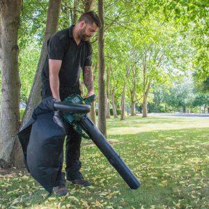 The Webb WEBV26 Petrol Garden Vacuum & Leaf Blower